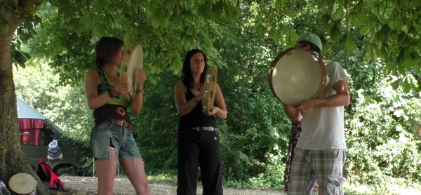 Journée stages de Percussions sur Cadre @ Maisons pour tous Ricôme